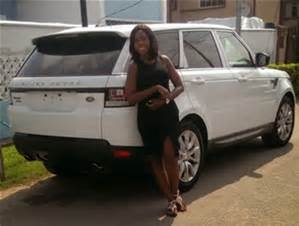 linda ikeji with her land rover jeep